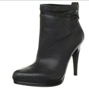 NINE WEST   Bethere Synthetic Black Bootie